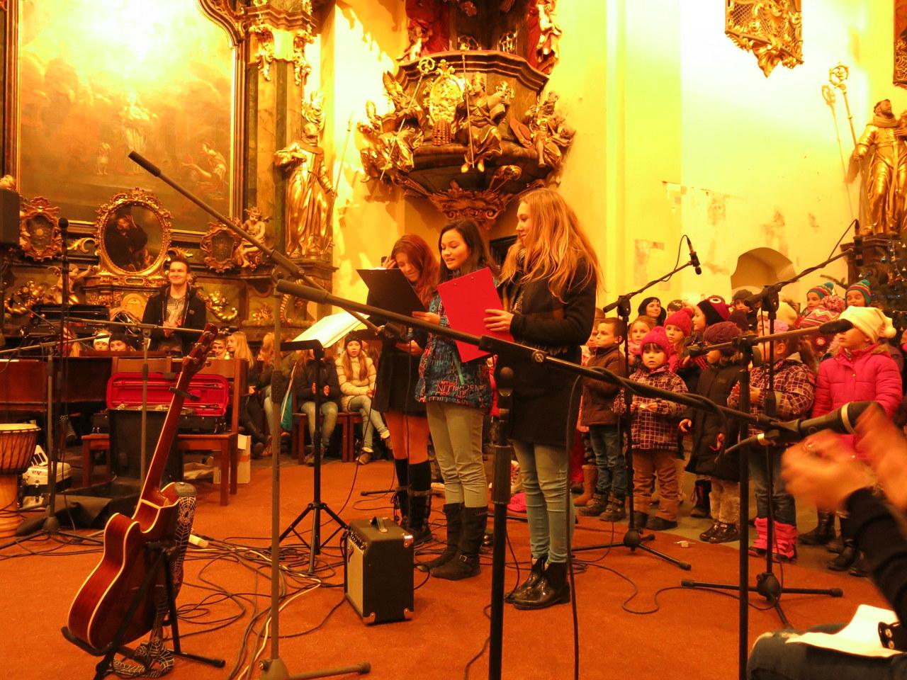 Předvánoční koncert Oříšku - FOTOGALERIE