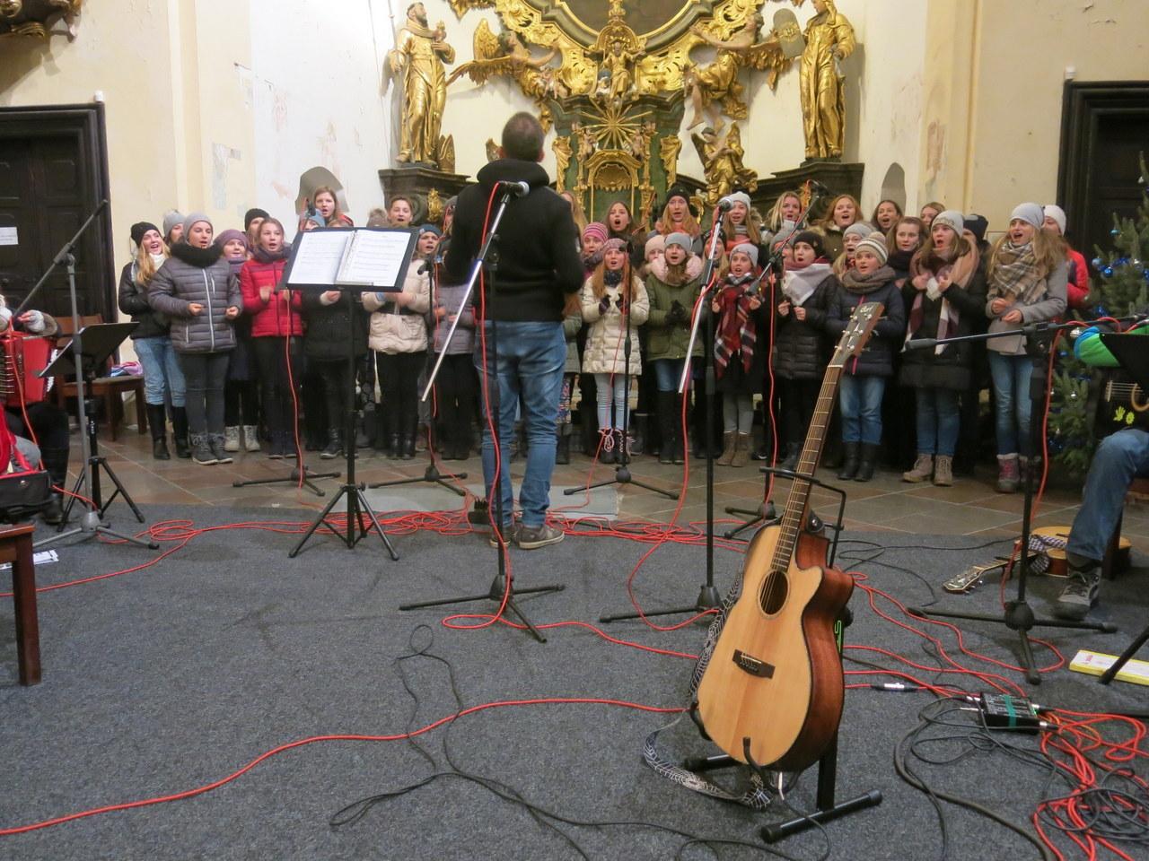 Vánoční koncert Oříšku 2017 - fotogalerie