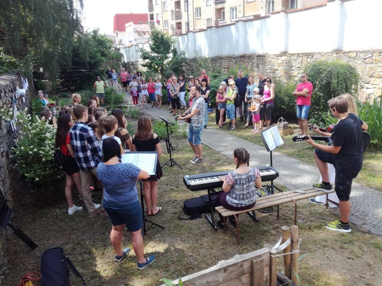 Víkend otevřených zahrad s Oříškem - fotogalerie