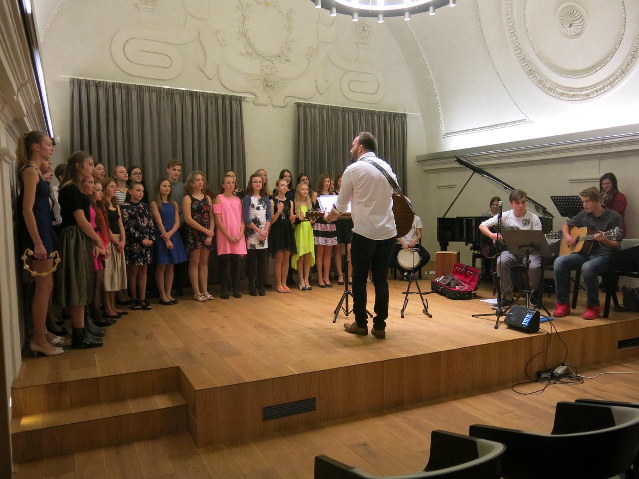 Benefiční koncert Oříšku